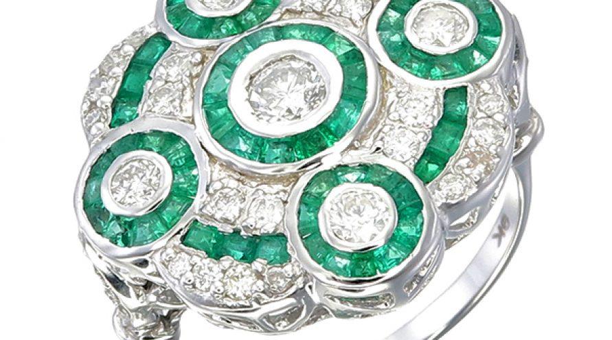 Emerald Round Type Ring