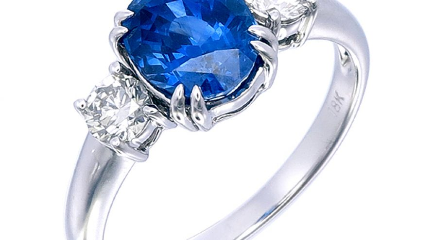 Blue Saphire and Diamond Ring