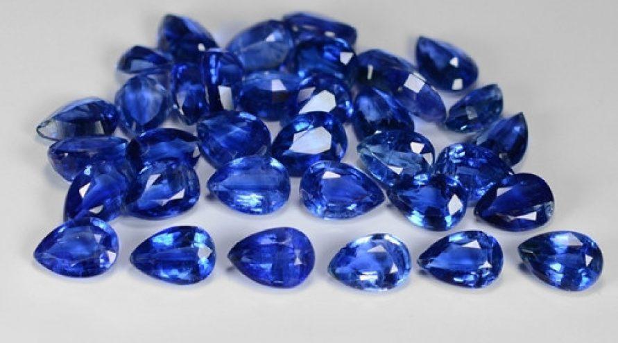 30.40 Cts 35 Pcs Fancy Royal Blue Color Natural Kyanite Gemstone Parcel