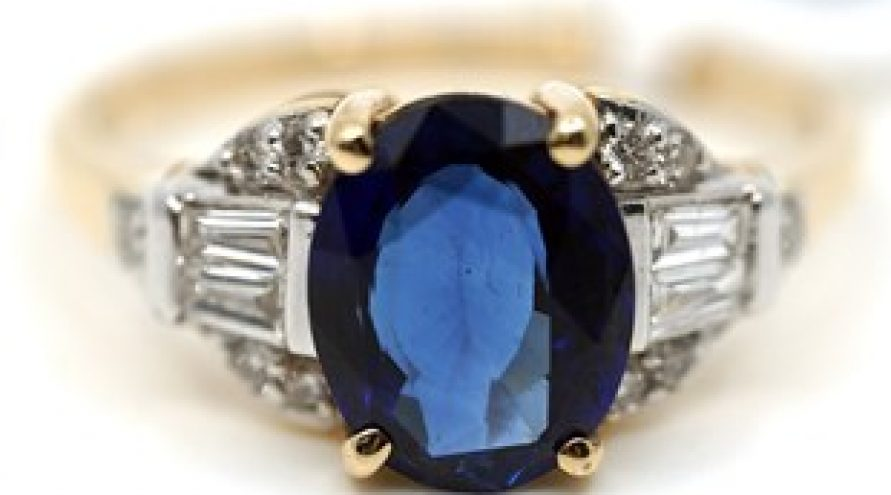 18K YELLOW GOLD ROYAL BLUE SAPPHIRE AND DIAMOND RING