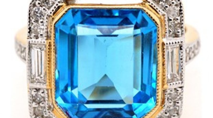 YELLOW GOLD DIAMOND AND TOPAZ RING