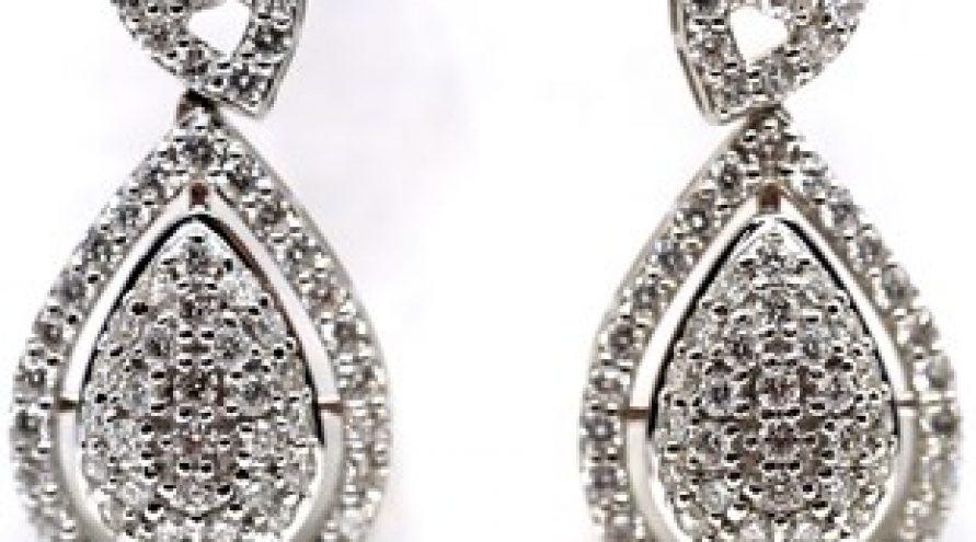 18K WHITE GOLD DIAMOND EARRING