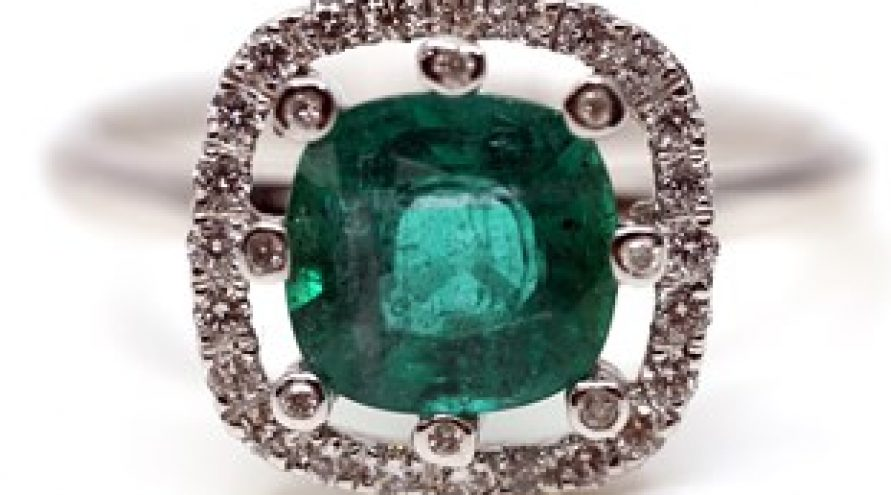 18K WHITE GOLD COLUMBIAN EMERALD AND DIAMOND RING