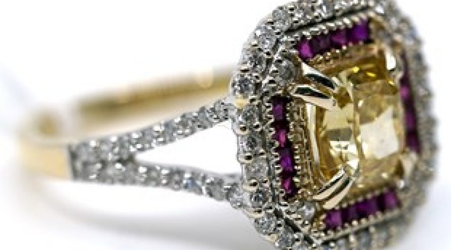 18K YELLOW GOLD RUBY,  CERTIFICATE DIAMOND AND DIAMOND RING