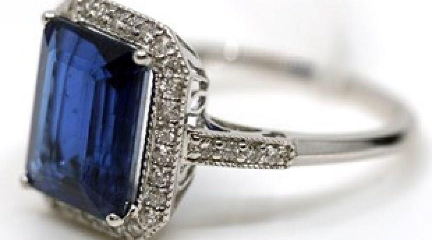 14K WHITE GOLD KYANITE AND DIAMOND RING