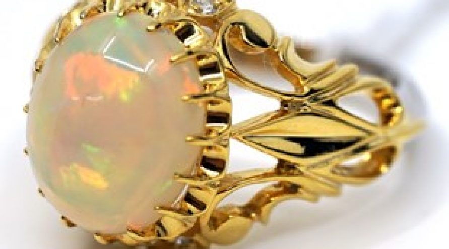 9K YELLOW GOLD OPAL AND DIAMOND RING
