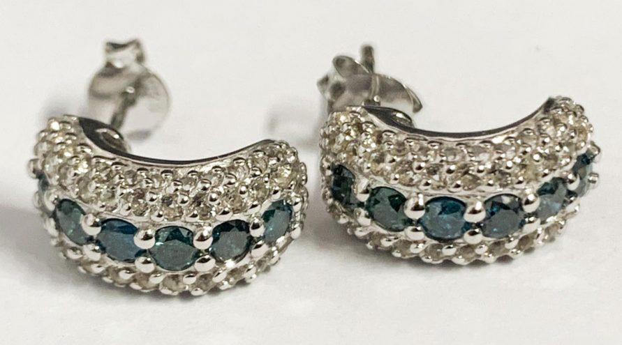 Silver Earring w/BLUE DIAMOND