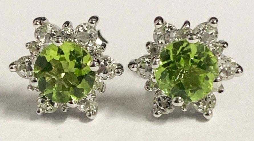 Silver Earring w/PERIDOT