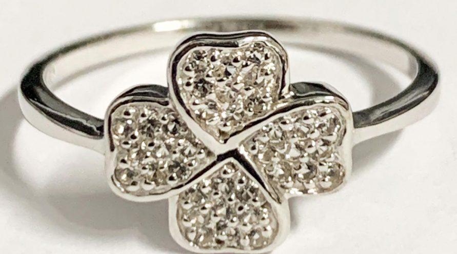 Silver Ring w/BLUE DIAMOND